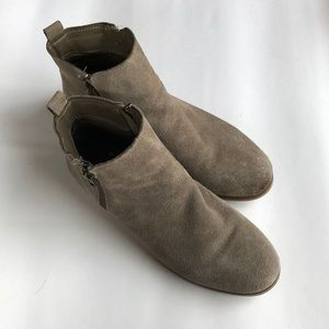 Steve Madden Reyyna Taupe Suede Booties
